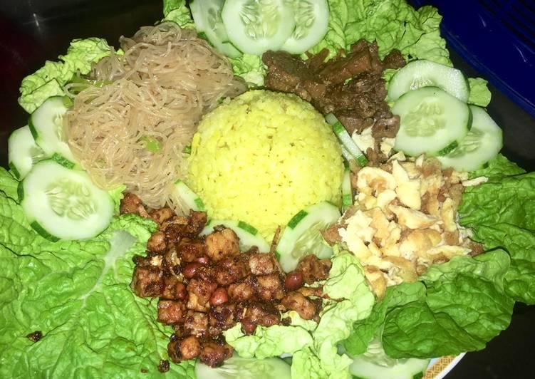 Nasi Kuning Rice Cooker