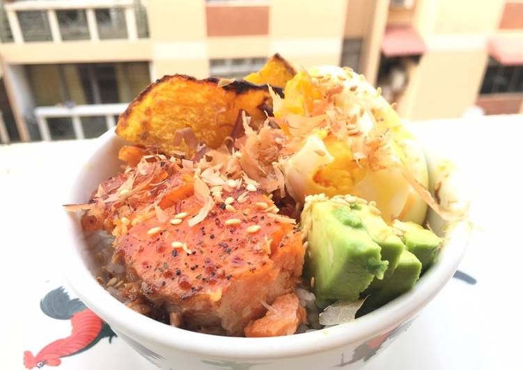 Step-by-Step Guide to Make Speedy Salmon With Pumpkin And Avocado Rice Bowl