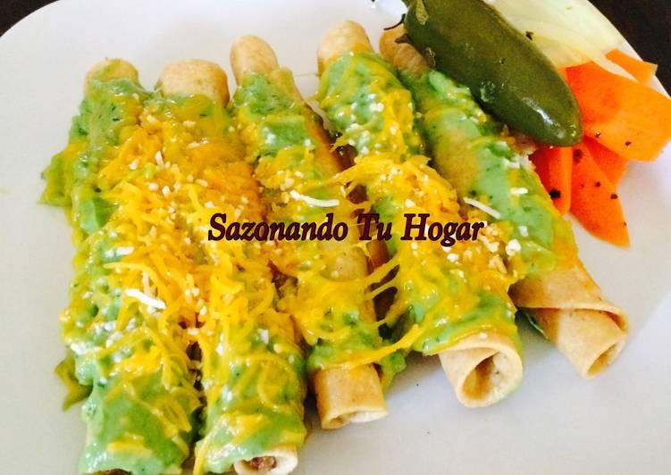 Tacos dorados de res en salsa de guacamole💖