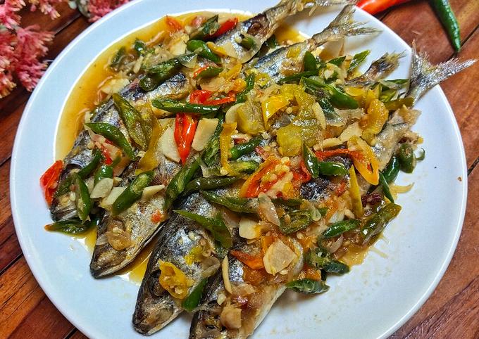 Ikan Pindang Cabai Hijau (Lombok Ijo)