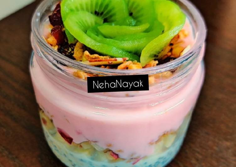 25 Minute Recipe of Special Oats and Yoghurt Parfait