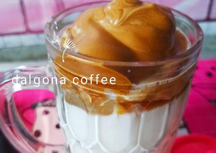 Cara Mempersiapkan Resep Lezat Dari Dalgona coffee express no mixer