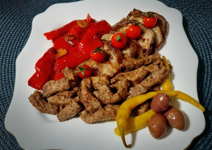 Steak de veau mariné accompagné d'aubergine et poivron rouge 🍴