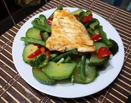 Pollo a la plancha con verduras