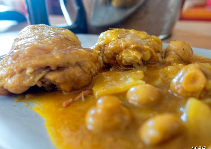 Mijoté de poulet pommes de terre et champignons.