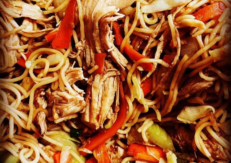 Thin noodles Chicken Chowmein