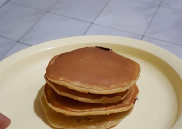 Resep Pancake praktis tanpa mixer untuk cemilan anak Paling Mudah