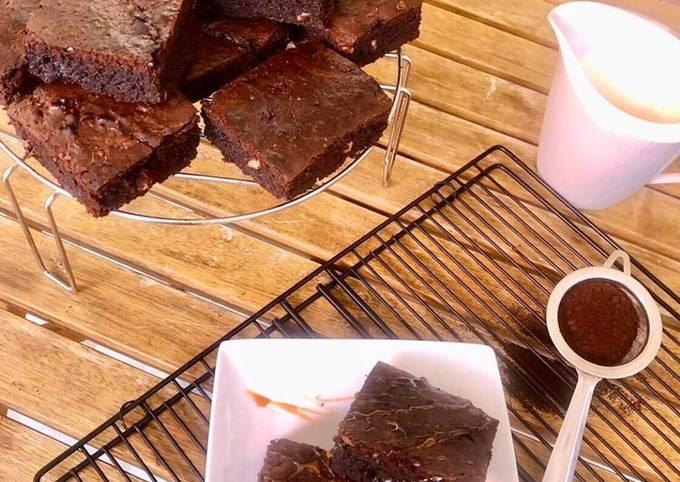 Brownies moelleux classiques aux noix
