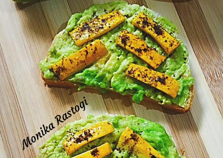 Zucchini Avocado Sandwich