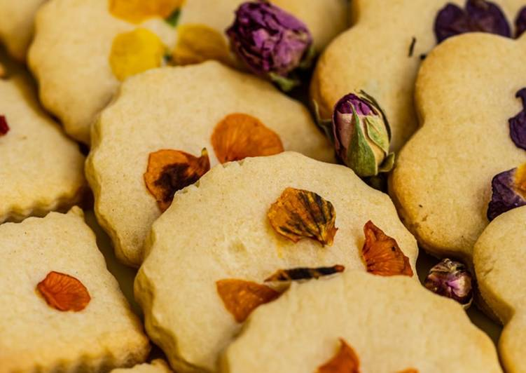Simple Way to Make Super Quick Homemade Edible flower cookies