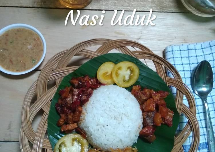 Nasi uduk komplit masak magic com