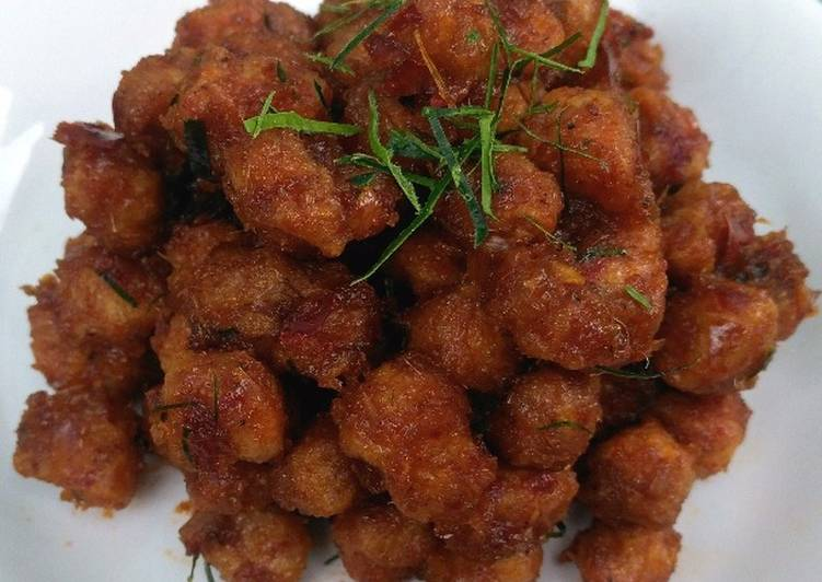 Recipe: Perfect Sauteed Textured Soy Chunks / Soy Meat with Red Curry Paste
