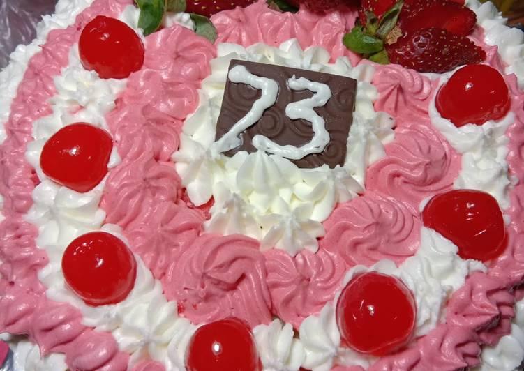 Cake merah putih