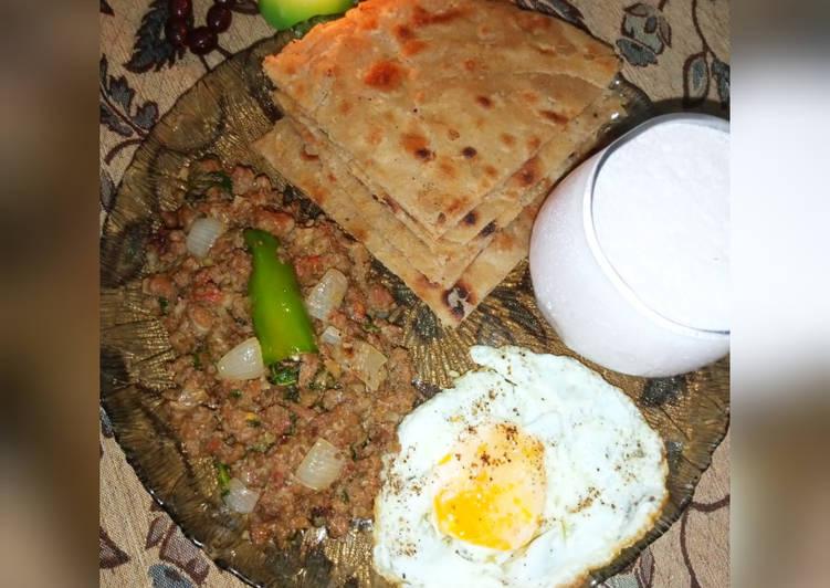 Qeema Do pyaza with crispy Paratha and Strawberry Lassi