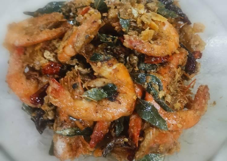 Udang masak telur masin/ Salted egg prawn - velavinkabakery.com