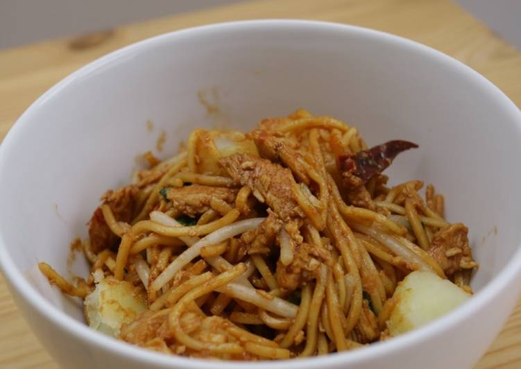 Step-by-Step Guide to Prepare Favorite Mee goreng