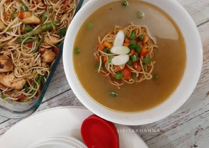 Manchow Soup / Veg soup topped with Crispy fried noodles