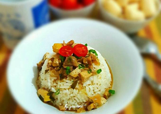 Nasi Bakmoy ayam