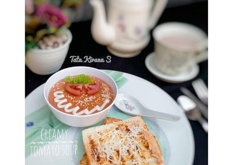 Resep Creamy Tomato Soup (Sup Tomat dengan Roti Panggang) Terbaik