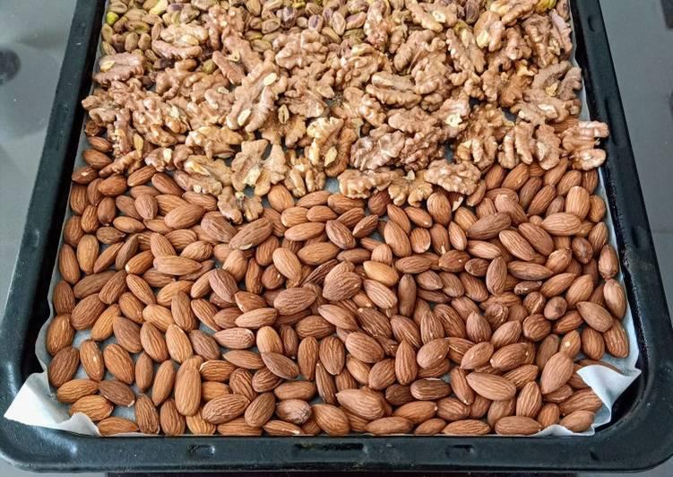 Roasted Almond, Walnut and Pistachio