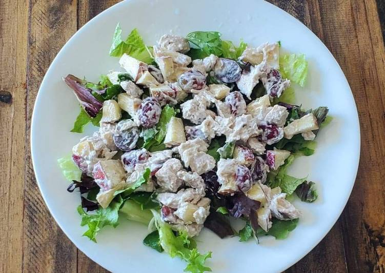 Easy to Make Super Quick Homemade Chicken Waldorf Salad