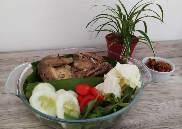 Cara Gampang Membuat Ingkung Ayam Kampung Anti Gagal