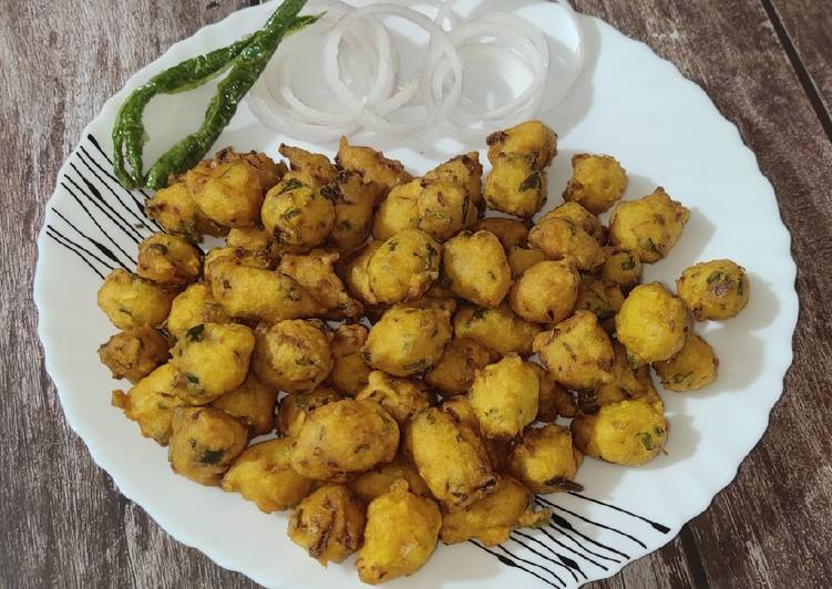30 Minute Recipe of Royal Moongode(Moong dal ke pakode)