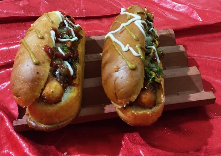 Chicken sausages Hot dog