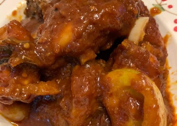 Ayam masak merah mak munah