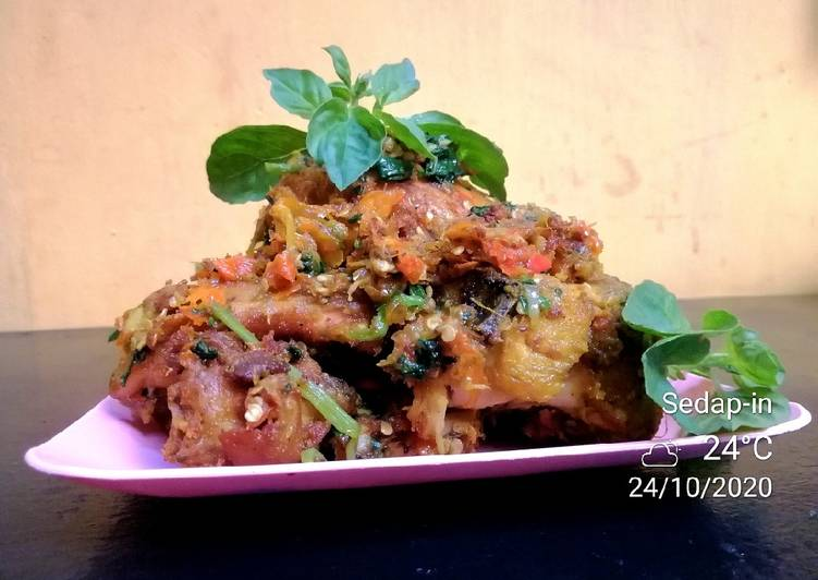 Ayam Geprek sambal kencur dan kemangi