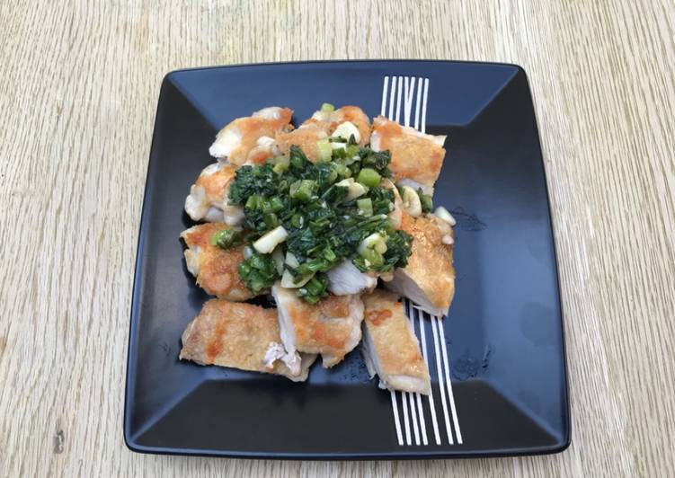 How to Prepare Speedy Pan fry chicken with basil & spring onion sauce