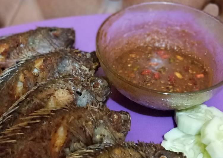 Mujahir Goreng sambel kacang