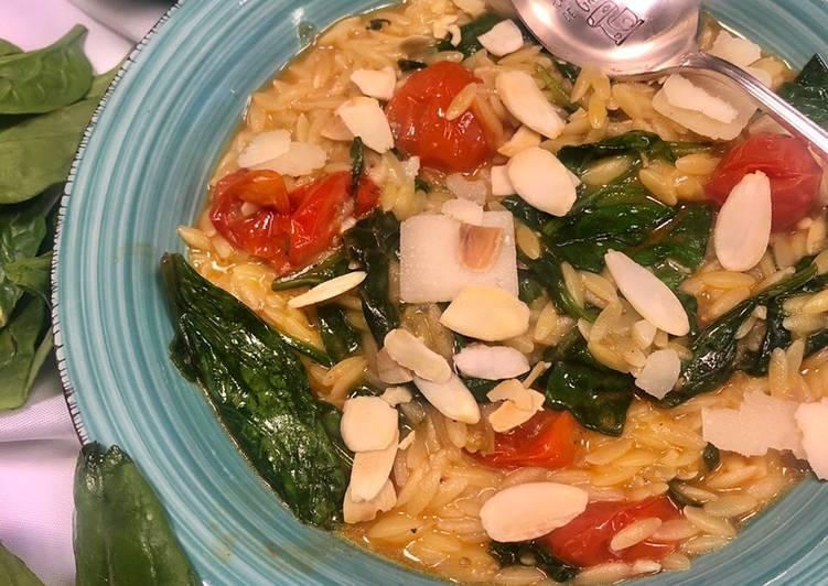 Le moyen le plus simple de Faire Appétissante Orzo aux épinards et tomates cerises