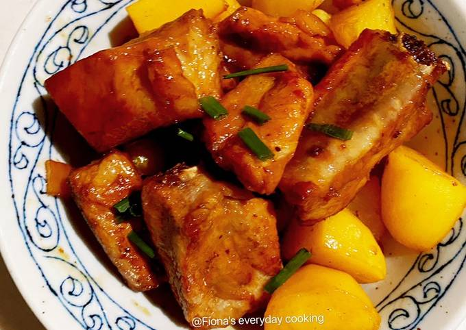 Braised ribs with potatoes 红烧排骨土豆