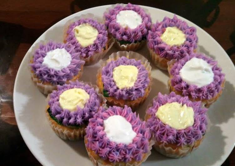 Sean's-Graham cracker crust cupcake delights