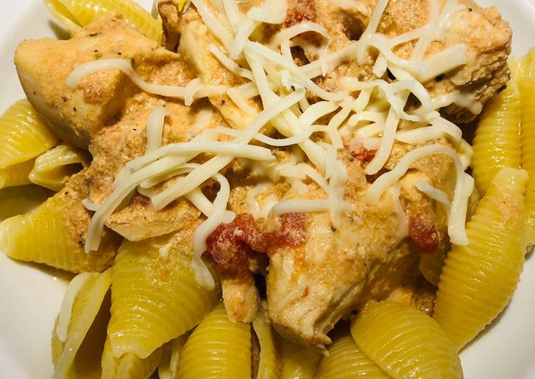 Recipe: Appetizing Crockpot Creamy Tomato 🍅 Chicken 🐔