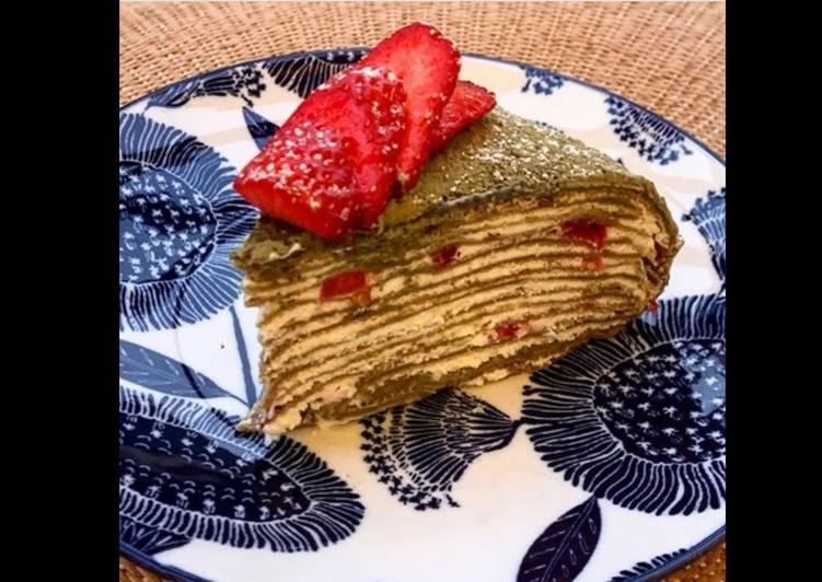 Simple  Gâteau de crêpes au thé matcha et aux fraises 🇯🇵