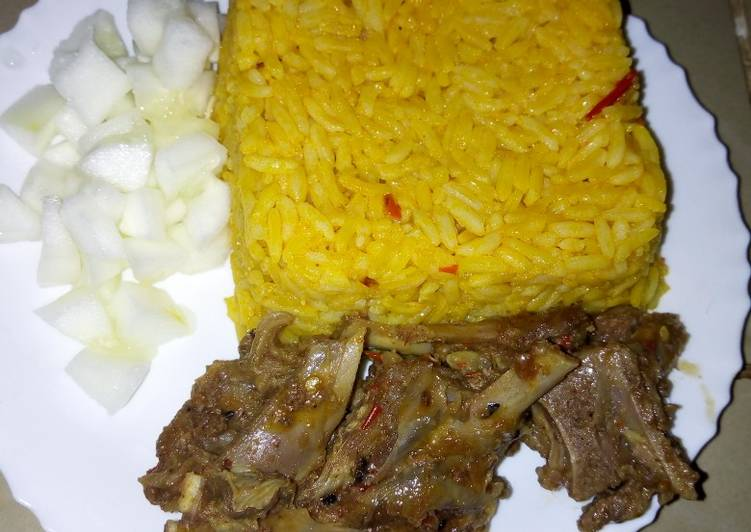30 Minute Recipe of Fall Jollof rice with steamed goat meat and cucumber #KADUNACOOKOUT