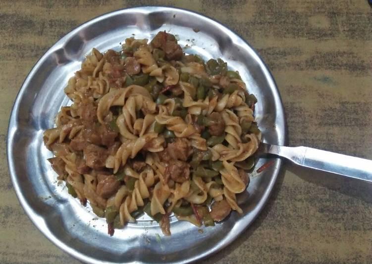 Durum wheat pasta with soya chunks