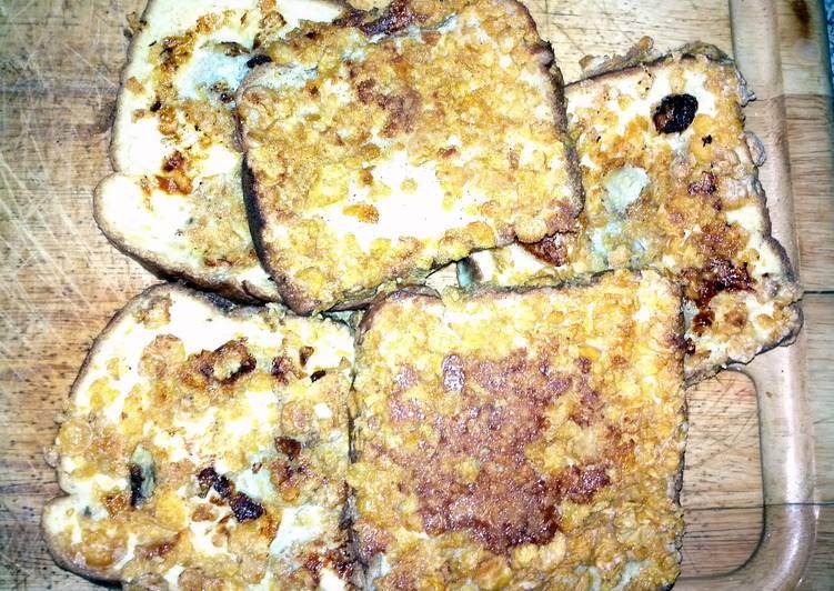 Crunchy french toast with a twist