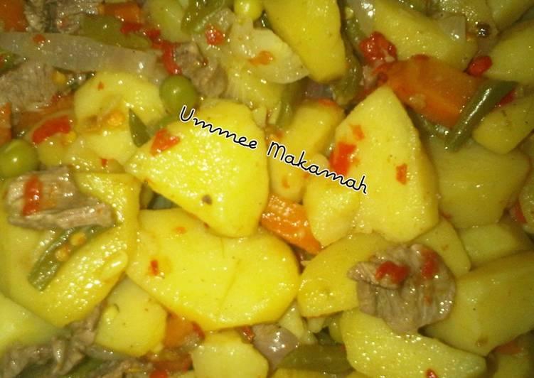 Steps to Prepare Favorite Potato Goulash