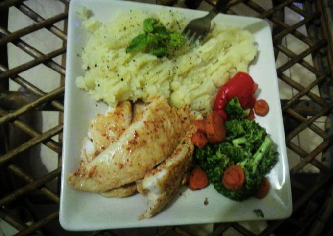 Steamed Basa with Mashed potatoes,Brocolli and baby carrots