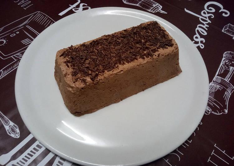 Simple  Mousse glacée au chocolat et aux amandes