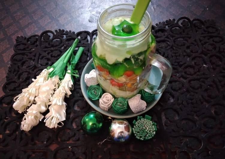 Green Custard with fruits