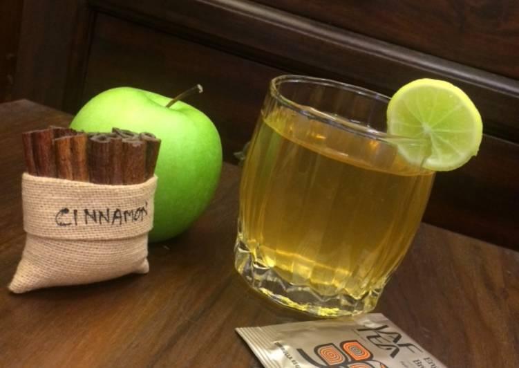 Apple Cinnamon English breakfast tea