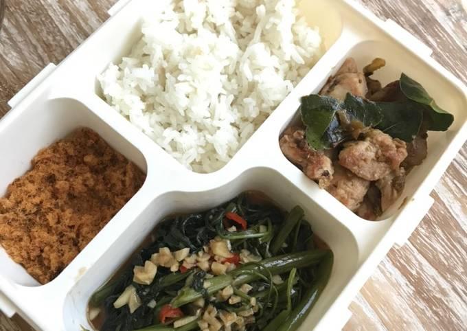 Lunch Box Menu II: Nasi, Kangkung Saos Tiram, Ayam Sambel Ijo, & Abon