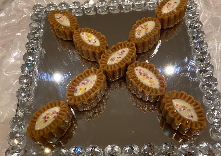Recipe of Most Popular Biscoff fudge with white chocolate