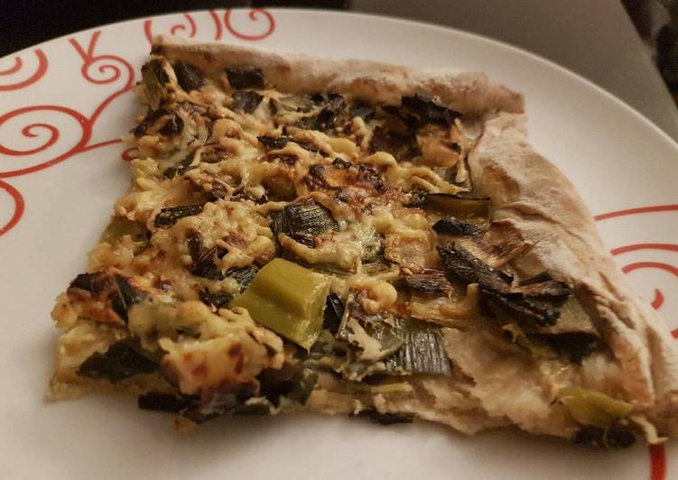 La Délicieuse Recette du Pizza poireaux brebis