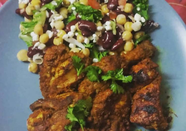 Grilled chicken with corn and kidney beans salad