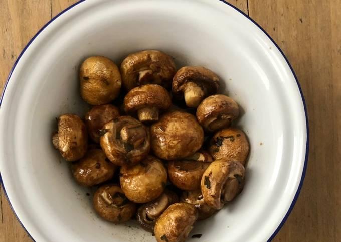 Champignons rôtis au vinaigre balsamique
